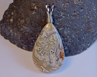 optionally with 55 cm leather strap ready to wear Amazing Mexico Crazy Lace Agate pendant stone EA101