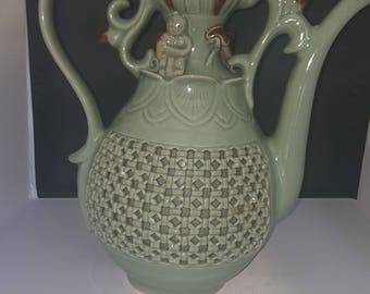 Chinese porcelain reticulated celadon vase