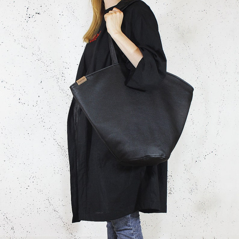 adf3a1046223 Black shoulder bag Black bucket bag Zip handbag High quality