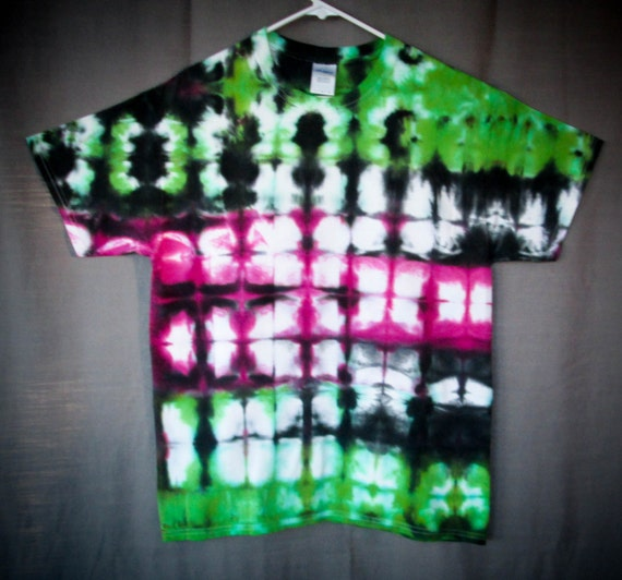 Tie Dye Shirt/Adult Tie Dye T-Shirt/Short Sleeve/Amethyst & Green/Eco-Friendly Dying
