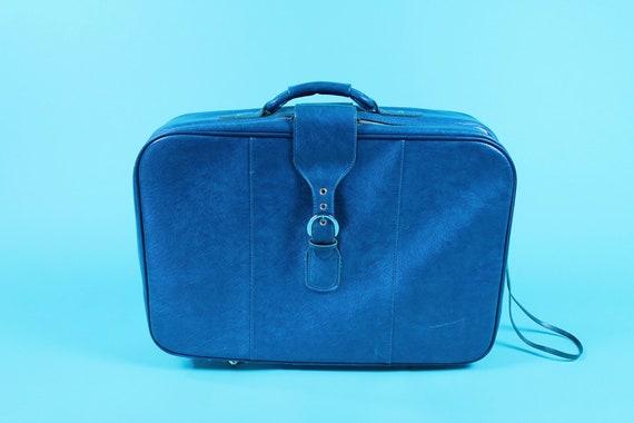 Roller Vintage Vinyl Suitcase in Blue