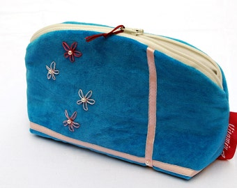 Cosmetic bag, make-up bag