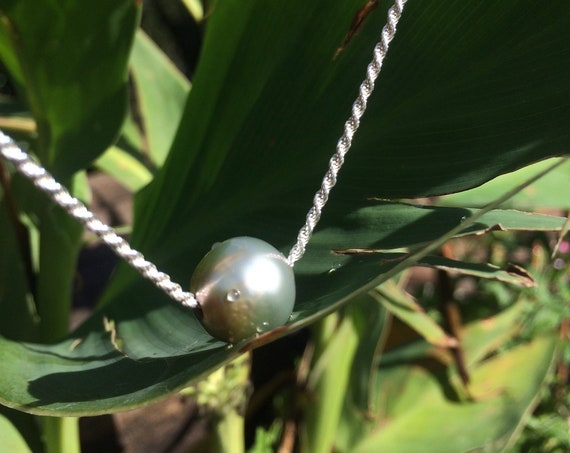 Tahitian pearl on a twisted sterling silver chain, woman necklace or choker very feminine