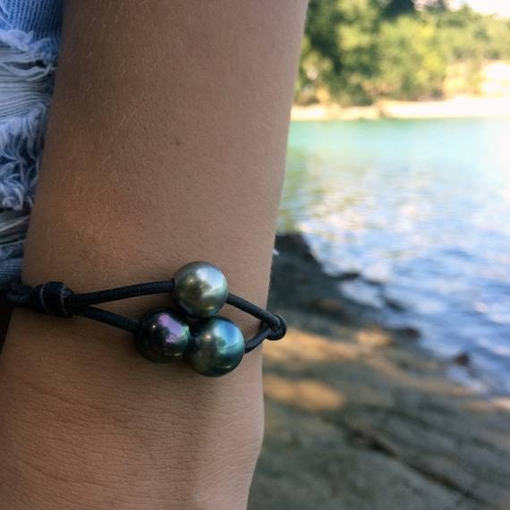 Tahitian Pearls on Australian leather. One of a kind tahitian pearls bracelet for women. Peacock south sea pearls.