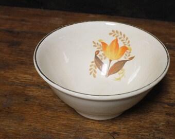 """Ceramic Bakerite Mixing Bowl Modern Tulip Pattern, Vintage Tulip Pattern 9"""" Bowl"""