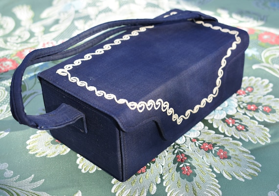 """1940s Box Purse, Navy Silk with """"Frosting"""""""