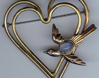 VINTAGE 1940's large gold tone double HEARTS & jewelled bird pin brooch
