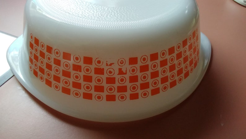 Vintage GlasBake Orange  2qt Round Casserole *** FREE Shipping