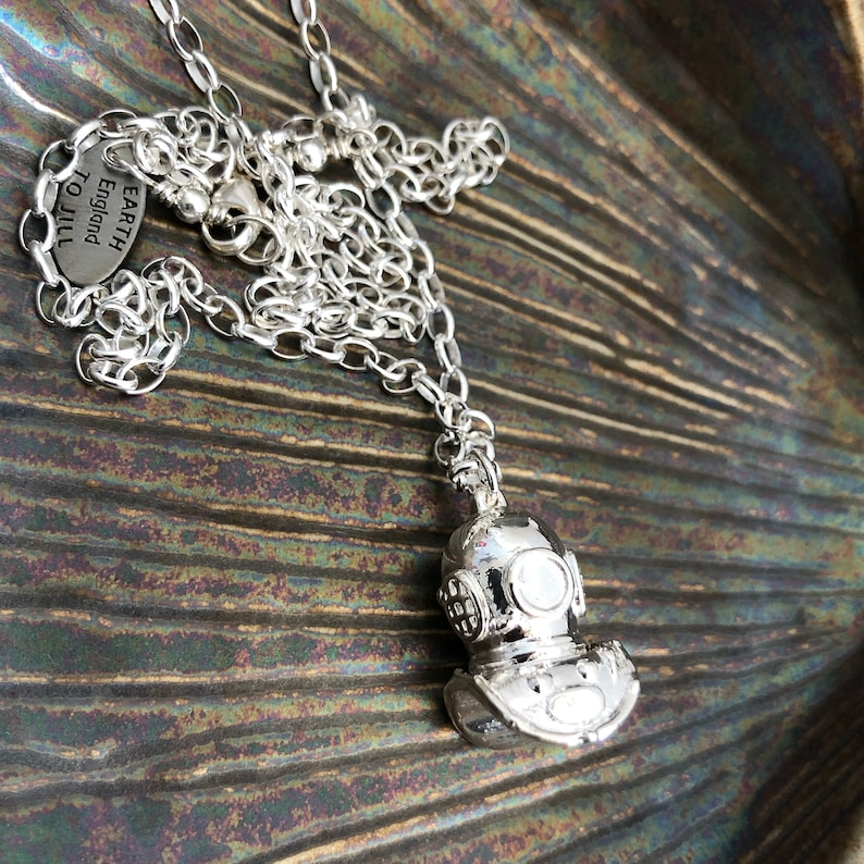 Diving Gifts for Her Silver Diving Helmet Pendant Siebe Gorman Diving Helmet Necklace Diving Helmet Necklace Deep Sea Diver Necklace