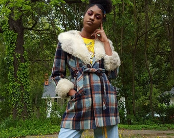 Vintage 70s Plaid Coat with Fur Collar - 1970s Furry Trim Belted Jacket - Small Classic Hippie Boho - Blue Brown Vtg Retro Fuzzy Winter Coat