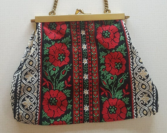 70's Floral Upholstery Fabric Purse Handbag - Gold Chain Strap Flowered Hinge Purse -  1970s Vintage Red Green White Floral Pocketbook Purse