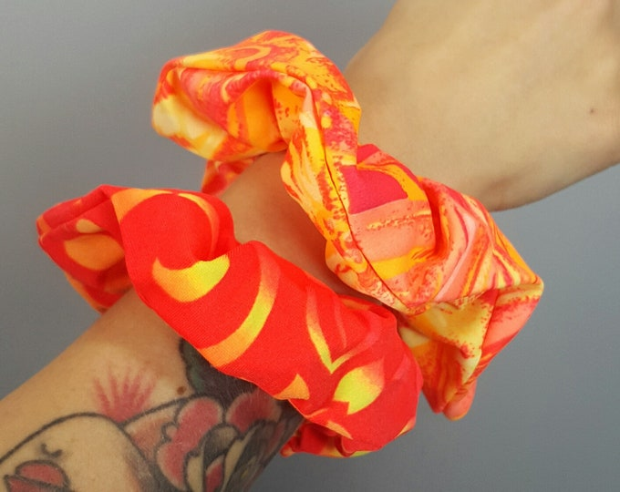 Vintage Neon Hair Scrunchies 2 Pack - 90's Unique Vintage Scrunchies - Abstract Print Orange Yellow Bright Hair Accessories