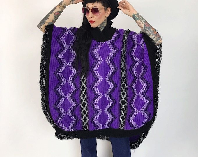 80's Purple Knit Poncho Shawl Cape One Size - Purple &  Black Thick Woven Winter Poncho w/ Open Sides - Soft Warm Fringe Layer Outerwear