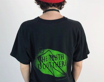 90's X-Files The Truth Is Out There Vintage Nineties Adult Large Tee - TV Sci-Fi Screen Print Holey Distressed Black & Neon Green Graphic