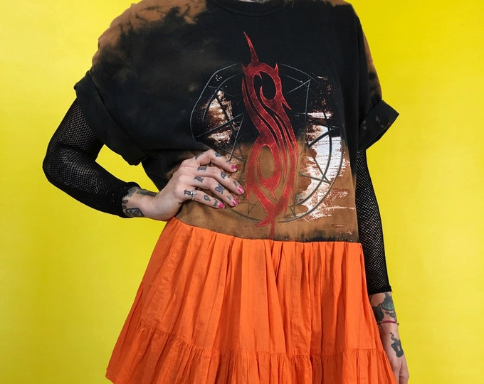 90s SLIPKNOT Upcycled T-shirt Dress Medium - Goth Grunge Metal Band Shirt - Lunar Eclipse Upcycled Unique Dress Bleach Orange Band Minidress