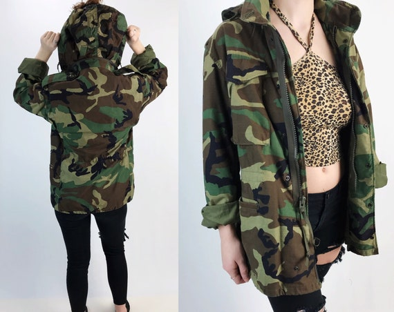 Vintage Military Camouflage Uniform Coat Medium Adult - US Army Heavy Cargo Jacket With Hood - VTG Lined Adult Winter Unisex Drab Outerwear
