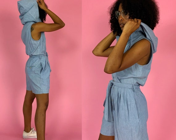 90's DKNY Hooded Chambray Shorts Romper Size 6/8 - Vintage Light Blue Preppy Basic Casual Button Front One piece Playsuit w/ Collar & HOOD
