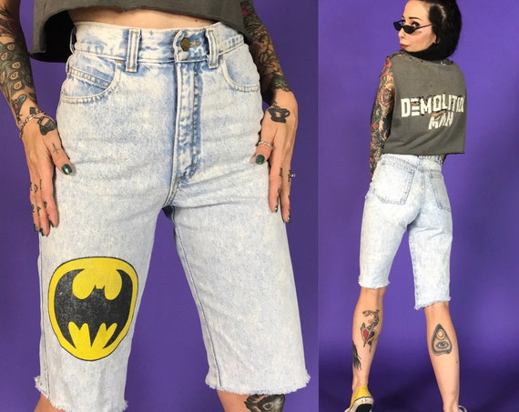"90's BATMAN Logo Cutoff High Waist Denim Bermuda Shorts XS 25""- RARE Loght Acid Wash Screen Printed Long Frayed Summer Cutoffs Shorts"