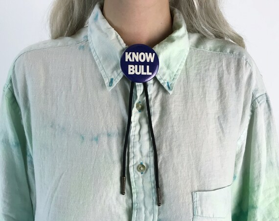 """Vintage """"Know Bull"""" Bolo Tie - Black Statement Bolo Unisex Western Style Necklace - Weird Rare Necklace Words Typography Bolo Tie Vintage"""