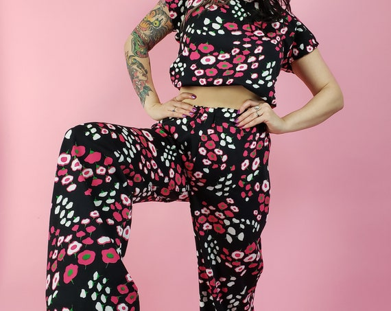 70's Handmade Vintage Floral 2 Piece Set - Black Flower Print T-Shirt & Pants Matching Set - Retro Flower Child Bell Bottoms Flare Pant