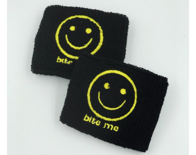 BITE ME Happy Face Wrist Sweatbands 2 Pack - Sporty Black Yellow Grunge Trendy Skater Grunge Wristbands - Black Smiley Aethletic Armband