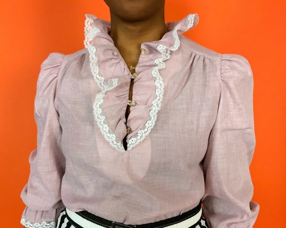 80's Ruffle Bib Blouse Medium - Cute Dusty Rose Pink White Frilly Lace Collared Shirt - Dramatic Collar Vintage Girly Lolita Cotton Top