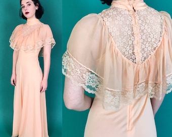 70's Vintage Peach Lace Capelet Maxi Dress Small US 4 - Ruffle Bib Formal Dress - Rare Romantic Girly Victorian Lacy Cape Sleeve Minidress