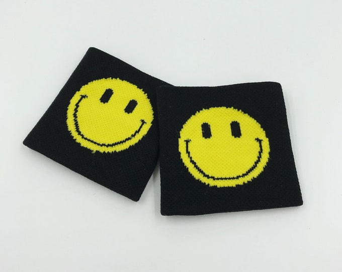 Happy Face Wrist Sweatbands 2 Pack - Sporty Black Yellow Grunge Trendy Skater Grunge Wristbands - Black Happy Smile Face Aethletic Armband