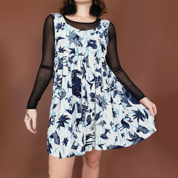 90's Babydoll Batik Pattern Mini Dress Medium - White & Blue Patterned Boho Casual Spring Dress - 1990s Comfy Day Dress Mini Length