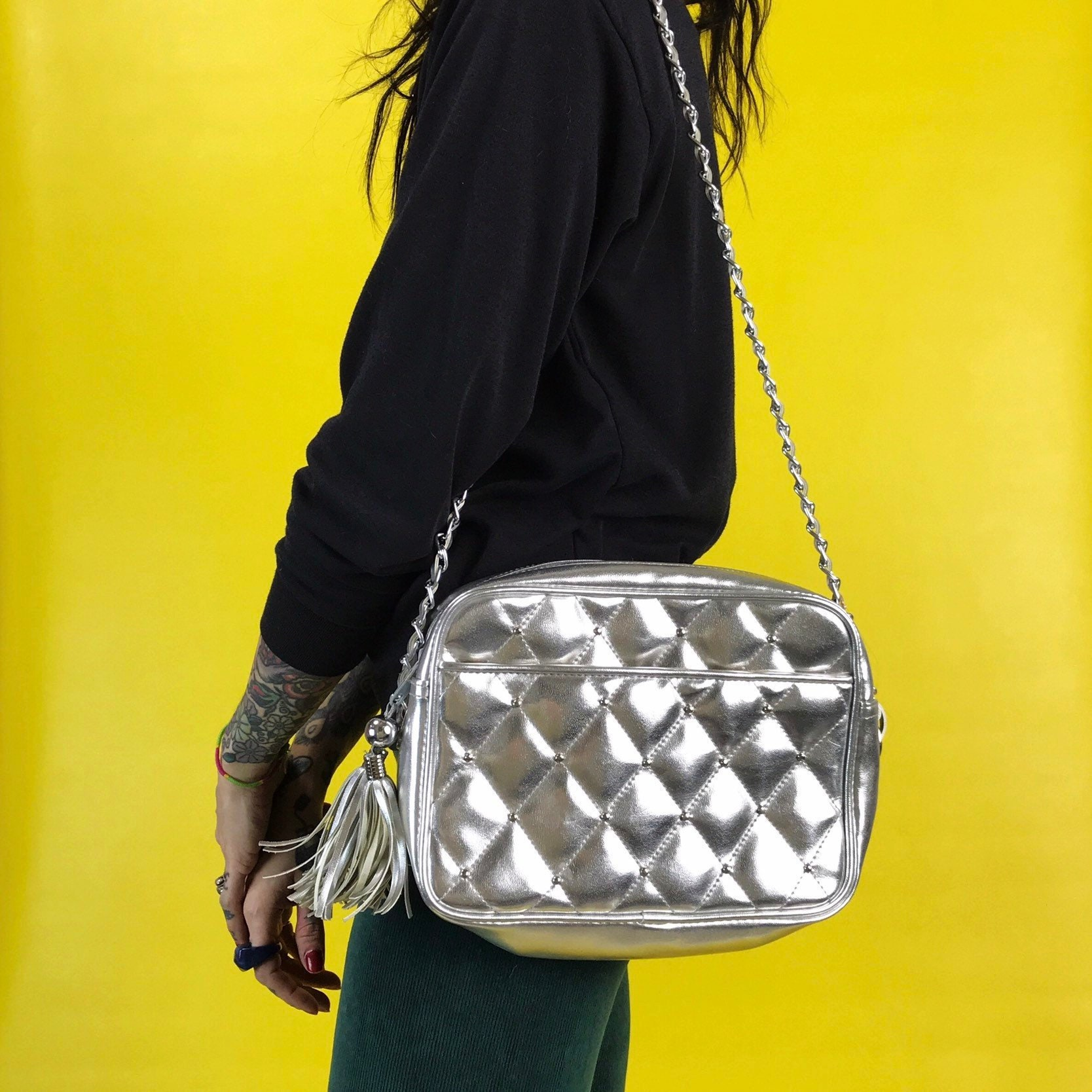 7a05d0464ad 80 s Silver Chain Strap Purse - Vintage Vinyl Purse Shoulder Bag Long Chain  Strap Crossbody - Silver Metallic Shiny Multi Zipper Statement. gallery  photo ...