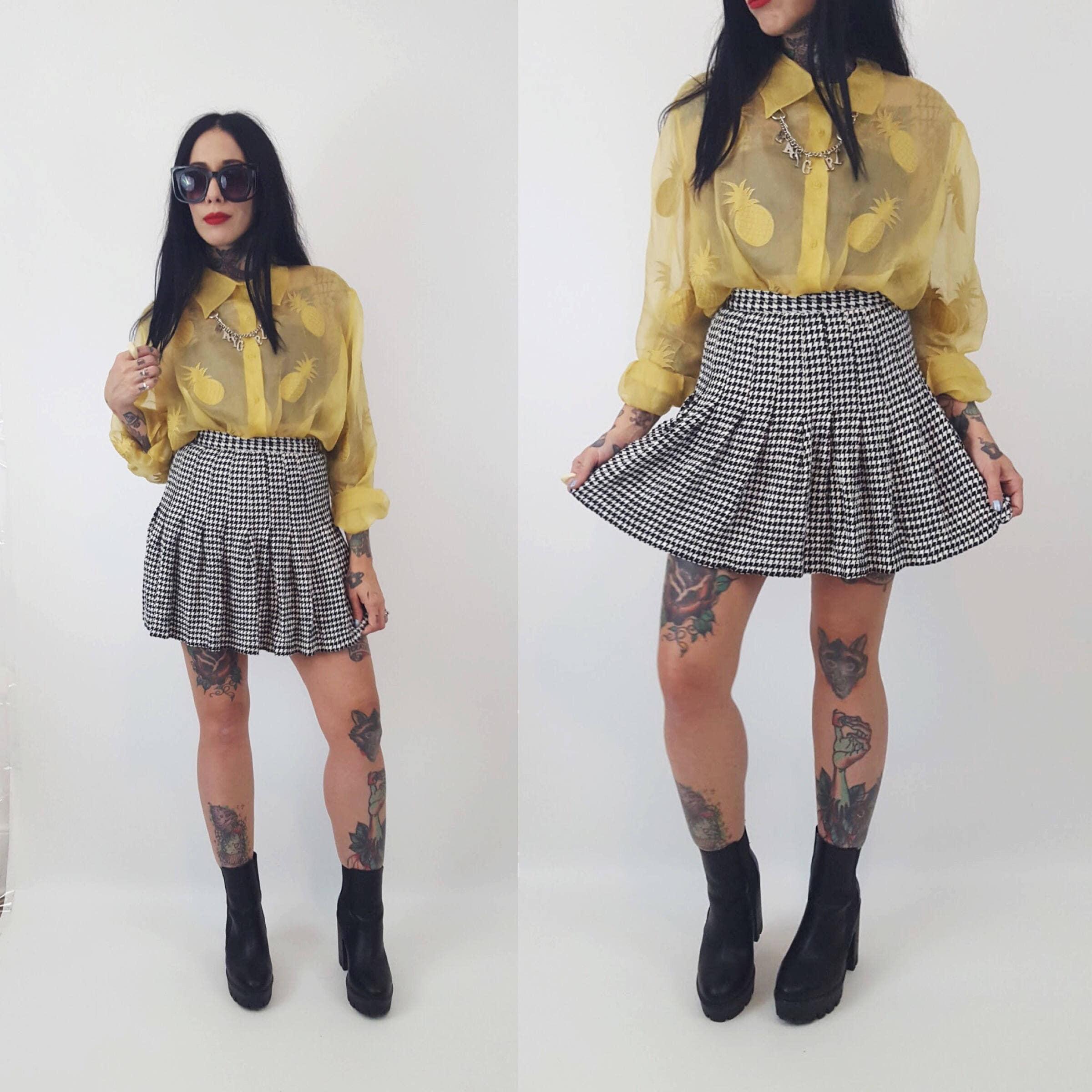 ae1ee90f7 90's Black White Plaid Herringbone Mini Skirt Size XS - Vintage High ...