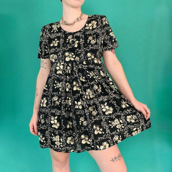 90s DEADSTOCK Vintage Floral Babydoll Mini Dress Small 5/6 - Slip On Cute Black Flower Print Everyday Casual Fall Day Dress w/ Original Tags