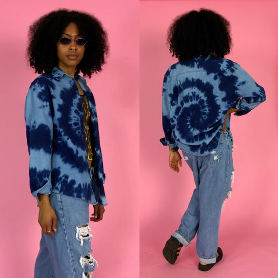 90's Denim Tie Dye Purple Swirl Casual Button Up Womens Medium - Vintage Unique Grunge Monochromatic Blues Tie Dye Funky Long Sleeve Denim