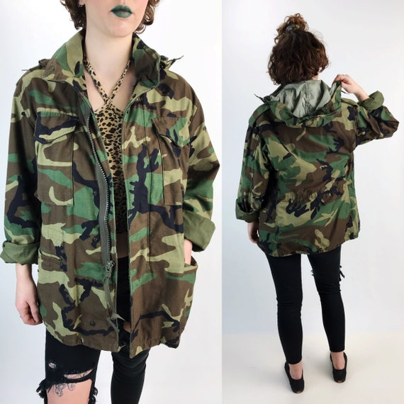 Vintage Military Camouflage Uniform Coat Medium Adult - US Army Camo Cargo Jacket With Hood - VTG Lined Heavy Winter Unisex Drab Outerwear