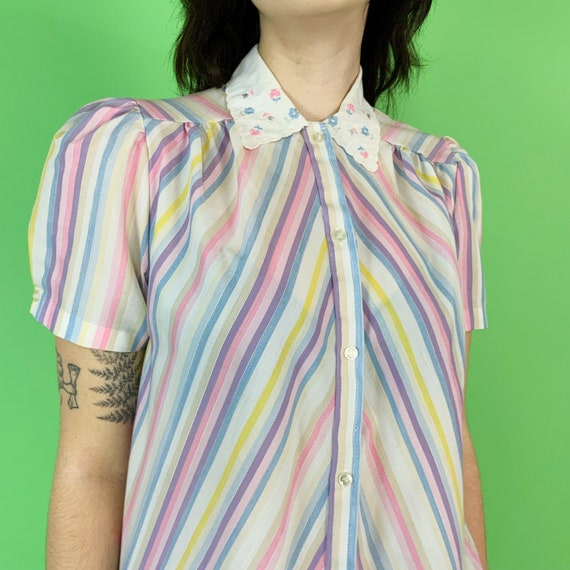 70s/80s Pastel Striped Cute Collared Blouse Small - Embroidery Collar Retro Button Front VTG Short Sleeve Top - Causal Cute Feminine Blouse