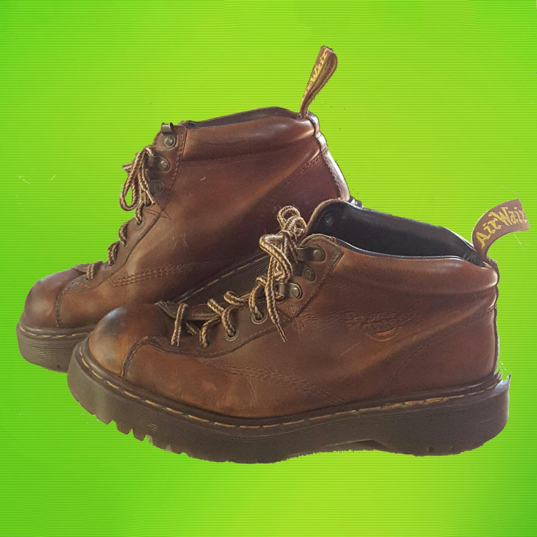 db62c11d139 Vintage 90's Doc Martens Classic Leather Boots - Lace-Up Ankle Flat ...