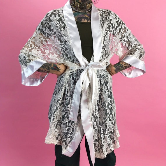 90's White Lace Robe Lingerie Layer S/M - White Satiny Open Layering Vintage Kimono Top w/ Belt Closure - White Lingerie Cover Up Top/Robe