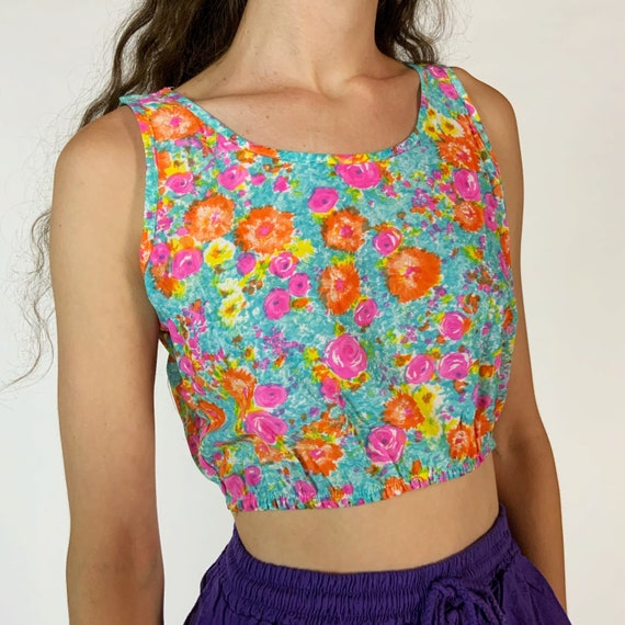70's Cropped Spring Blouse Small - True Vintage Pink Blue Orange Casual Acetate Floral Painterly Sleeveless RETRO Seventies Crop Top Blouse