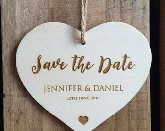 SAVE THE DATE (90 x 77mm) Love Heart Tag