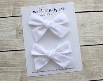 White piggy set hair bows