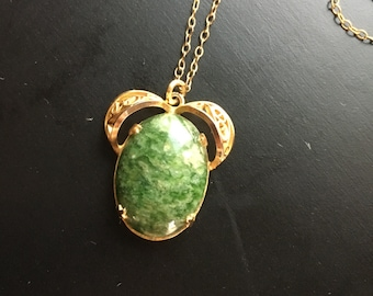 1940s-50s 12K Gold-Filled Dainty Necklace with Oval Cabochon Green Jasper Stone Floral Pendant