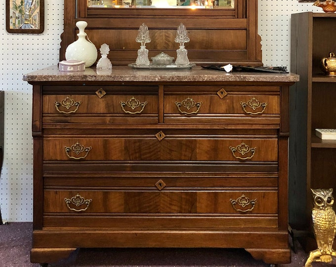 Gorgeous Victorian Dresser in Eastlake Style with Marble Top and Mirror
