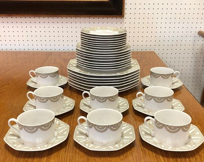 """Fitz & Floyd """"The Ritz Grey"""" Art Deco Style China, Intertwined Geometric Design, Octagonal Rimmed Plates"""