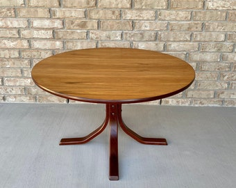 Danish Mid Century Modern Round Coffee Table on Splayed Bentwood Base
