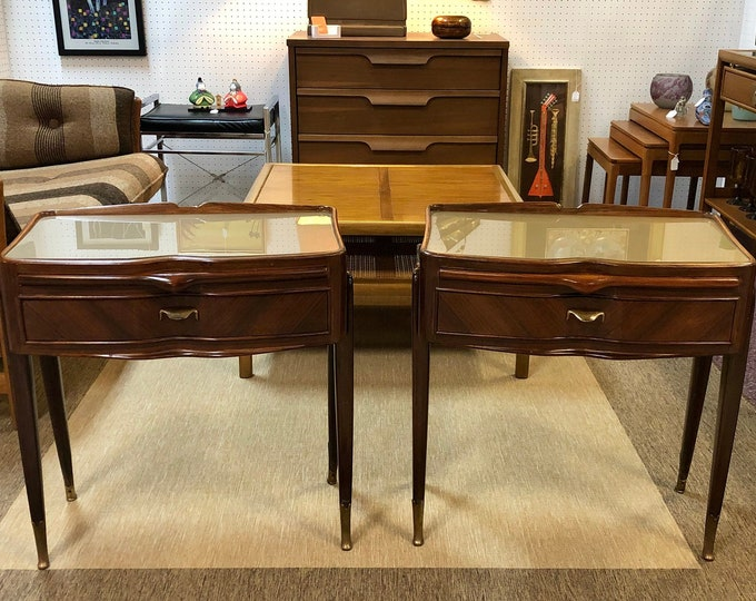 Pair of Italian Mid Century Modern Nightstands or Side Tables Attributed to Paolo Buffa