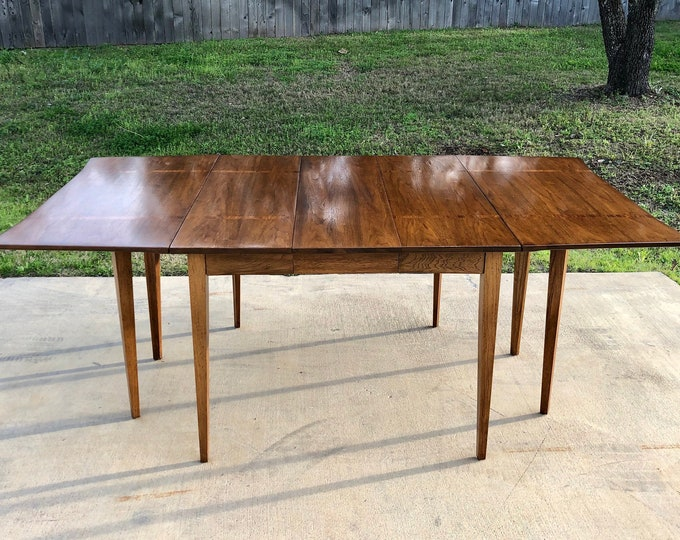 Mid Century Modern Walnut Dining Table, Fold-Down Leaves, Extra Leaf, Unique Shape, Inlay detail