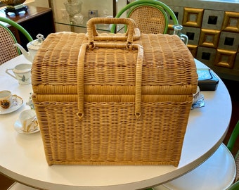 Vintage Wicker Storage Basket, Crafts, Sewing, Picnic Basket