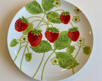 """Set of Six, C. 1970s, Fitz and Floyd Wild Strawberry Collection 10.5"""" Dinner Plates"""