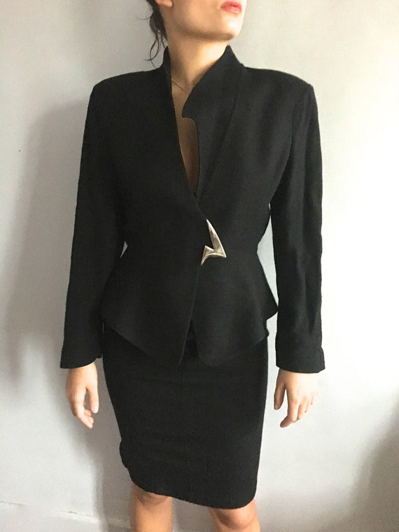 Thierry Mugler power suit shoulder pads vintage Mu