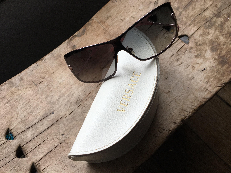 Vintage Versace máscara gafas de sol Y2K Versace wrap gafas de